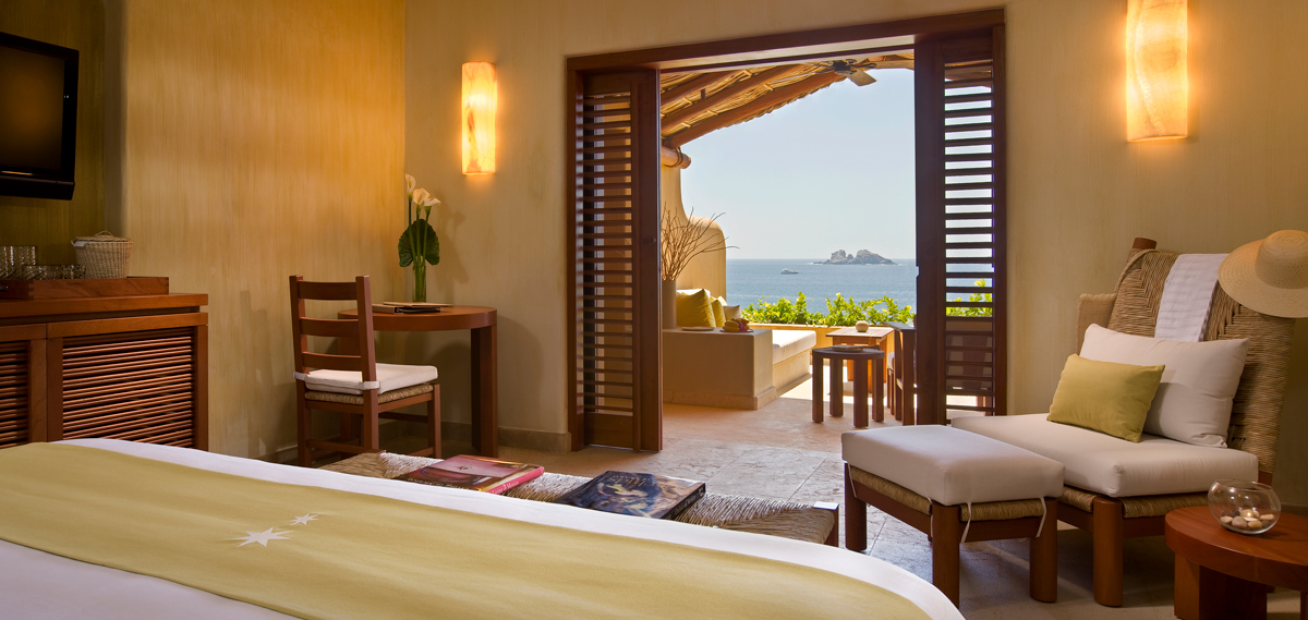 Accommodations:      Cala de Mar Resort & Spa Ixtapa  in Ixtapa