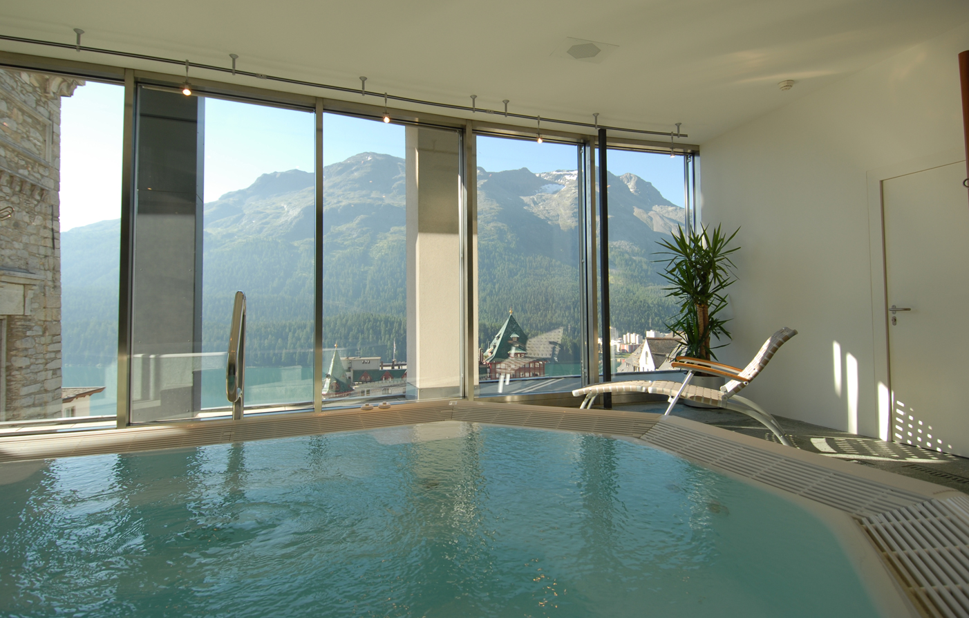 Activities:      art boutique Hotel Monopol  in St. Moritz
