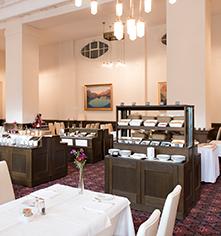 Dining at      Hotel Waldhaus Sils  in Sils Maria