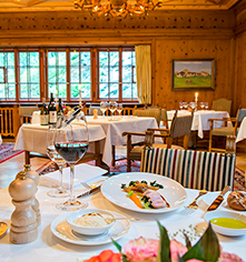 Dining at      Hotel Waldhaus Sils  in Sils Maria