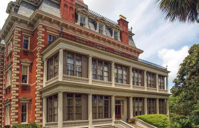 History Mystery featuring Wentworth Mansion