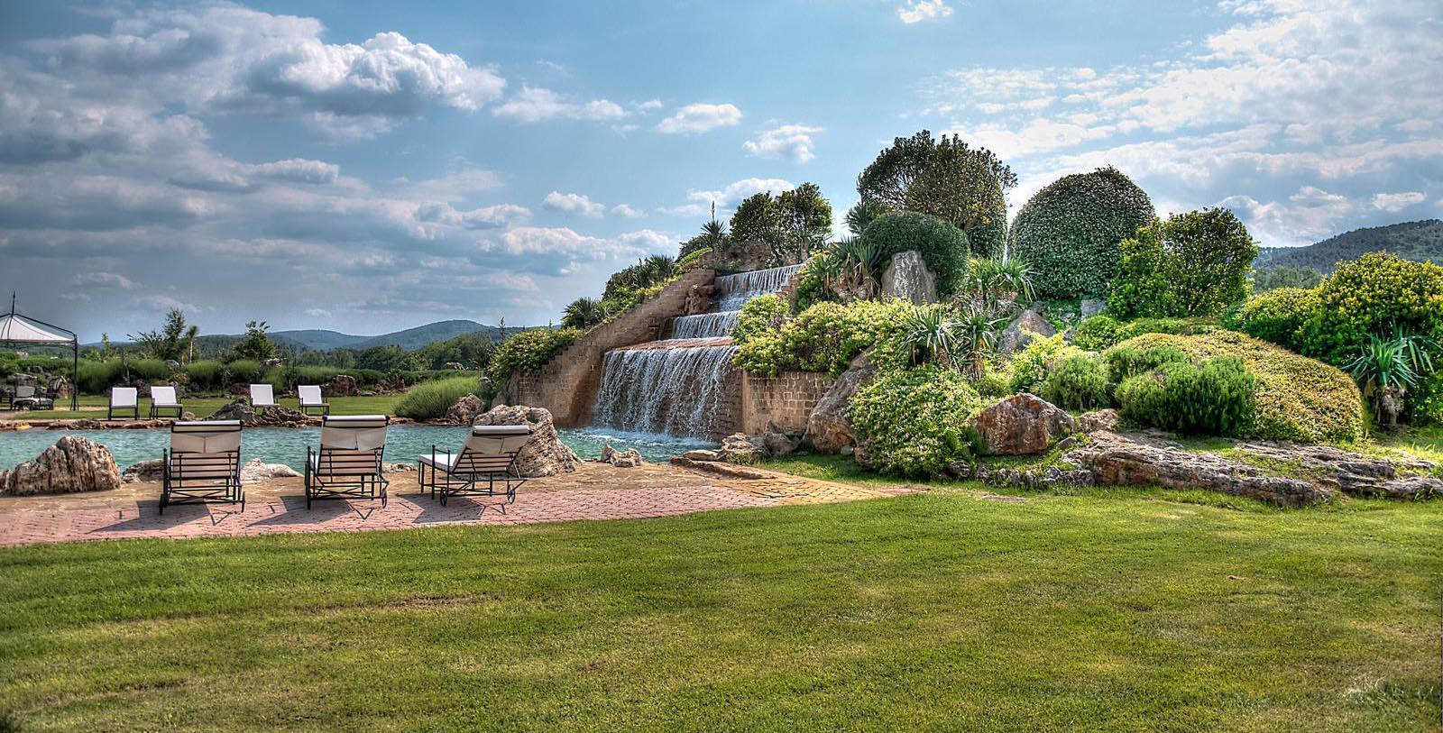 Discover the soothing thermal spring of Santa Caterina at La Bagnaia.