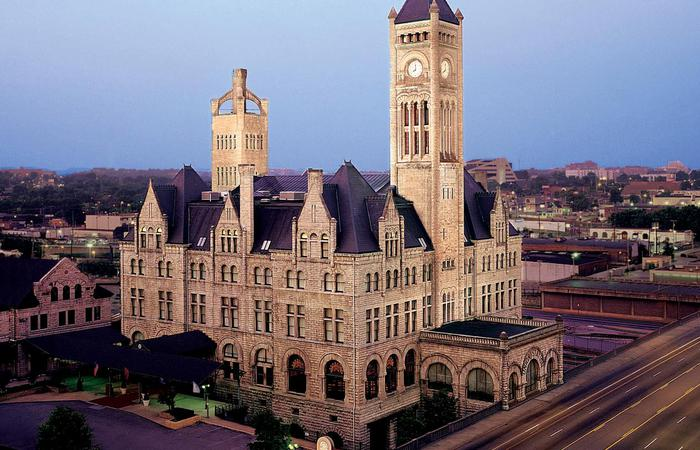 Exterior view of Union Station Hotel Nashville, Autograph Collection in Tennessee.