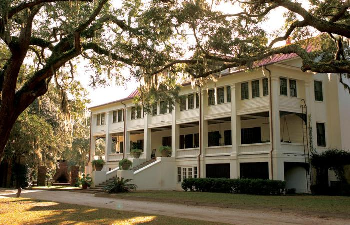Image of exterior and entrance of the Greyfield Inn in Cumberland Island, Georgia.