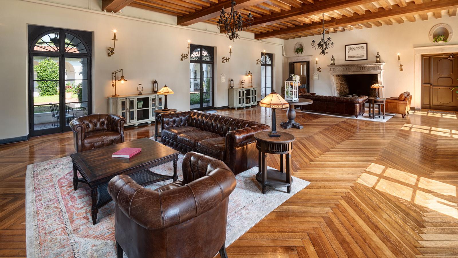 Image-of-Crane-Cottage-Lobby-Jekyll-Island-Club-Resort-Georgia