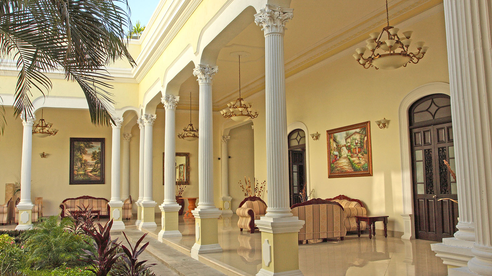 Discover the Spanish Colonial Revival architecture of this terrific historic hotel.