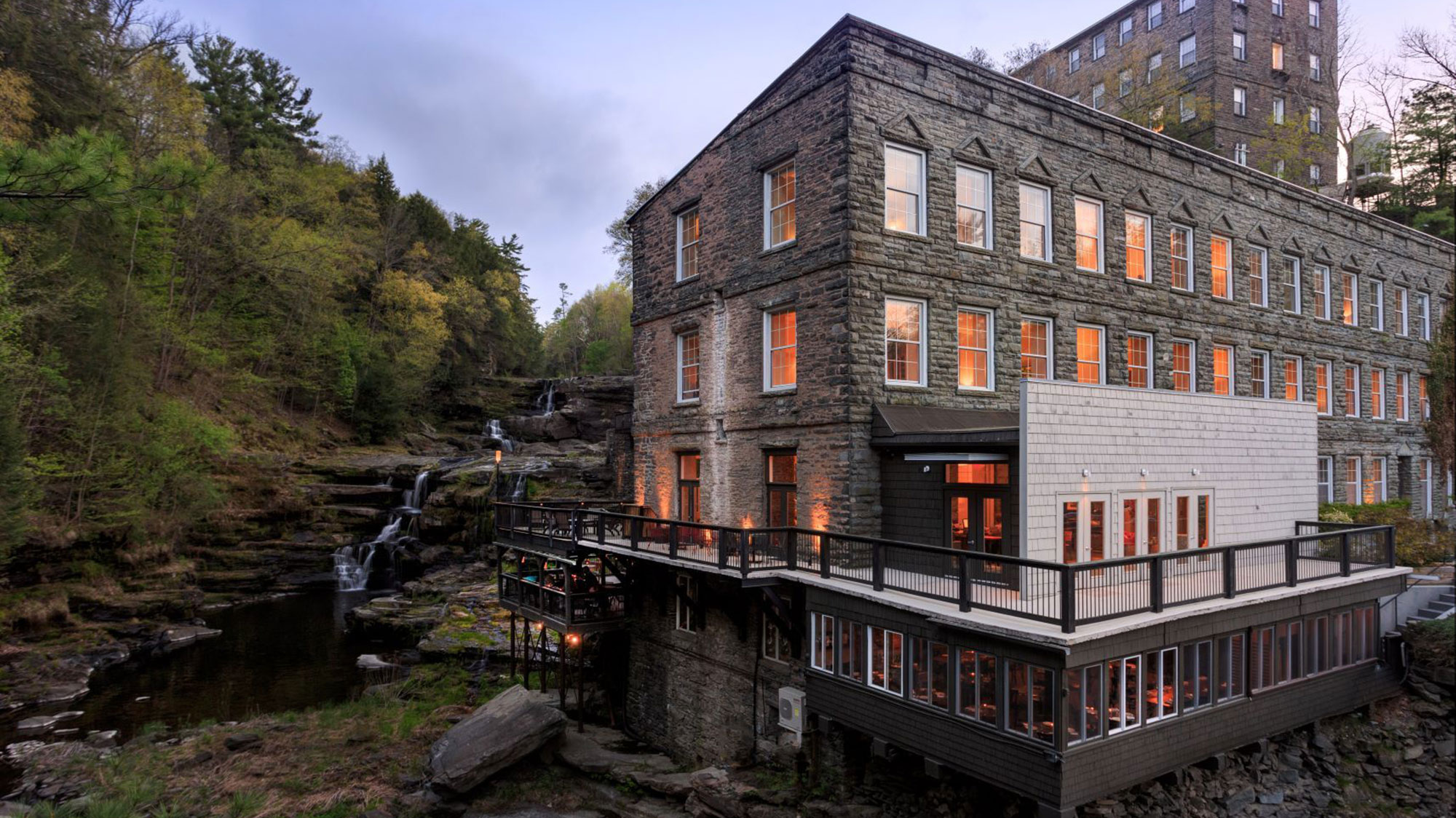 Image of the Ledges Hotel in Hawley, Pennsylvania